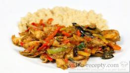 Asijská kuřecí čína na víně se staročeskou rýží