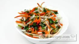 Zeleninový salát s kozlíčkem