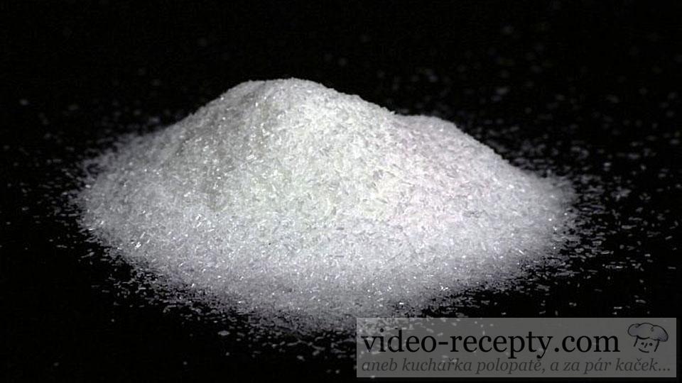 Co je to glutaman sodný?